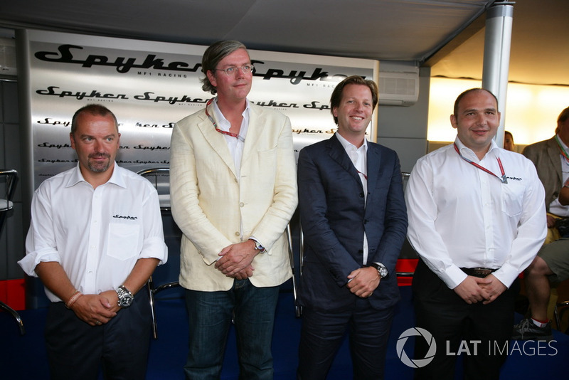 Mike Gascoyne, Victor Muller, Michiel Mol ve Colin Kolles, Spyker MF1 Racing