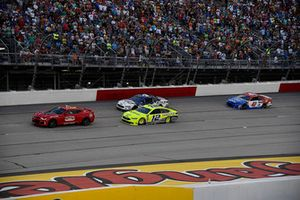 Pace car and Ryan Blaney, Team Penske, Ford Fusion Menards/Duracell
