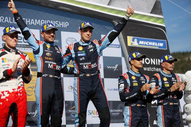 Podio: Ganador Thierry Neuville, Nicolas Gilsoul, Hyundai Motorsport Hyundai i20 WRC Cup, tercer puesto Dani Sordo, Carlos del Barrio, Hyundai Motorsport Hyundai i20 WRC Cup.