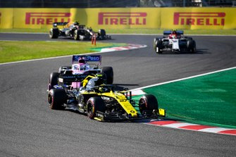 Nico Hulkenberg, Renault F1 Team R.S. 19, leads Sergio Perez, Racing Point RP19, Antonio Giovinazzi, Alfa Romeo Racing C38, and Kevin Magnussen, Haas F1 Team VF-19