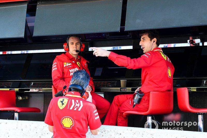 Personale Ferrari al muretto box