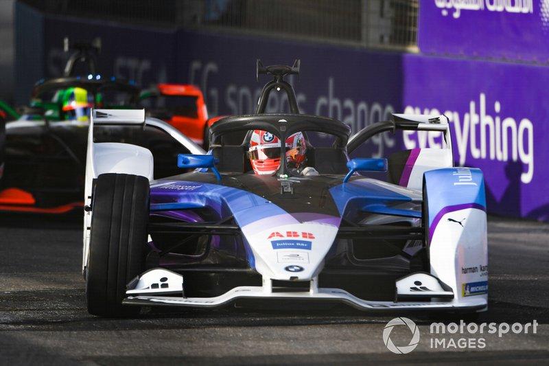 Maximilian Gunther, BMW I Andretti Motorsports, BMW iFE.20 con l'ala anteriore danneggiata