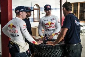 Membro del team Red Bull Off-Road Junior Blade Hildebrand, Mitch Guthrie, e Seth Quintero