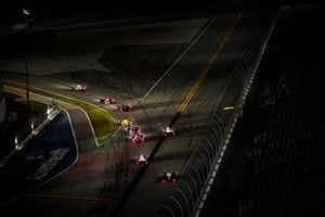 Night racing, #77 Mazda Team Joest Mazda DPi, DPi: Oliver Jarvis, Tristan Nunez, Olivier Pla, restart
