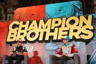 Marc Márquez y su hermano Álex celebran sus títulos de campeones 2019 en Cervera