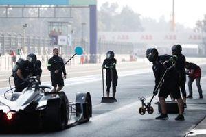 Stoffel Vandoorne, Mercedes Benz EQ, EQ Silver Arrow 01 pit stop antrenmanı