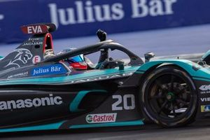 Race winner Mitch Evans, Jaguar Racing, Jaguar I-Type 4