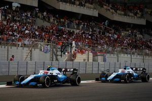 Robert Kubica, Williams FW42, leads George Russell, Williams Racing FW42
