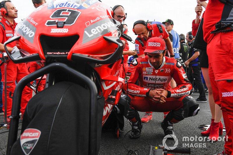 Данило Петруччи впервые в сезоне сошел с трассы. До этого он оставался единственным из пилотов, кто не только финишировал во всех гонках, но и набрал в этих гонках очки