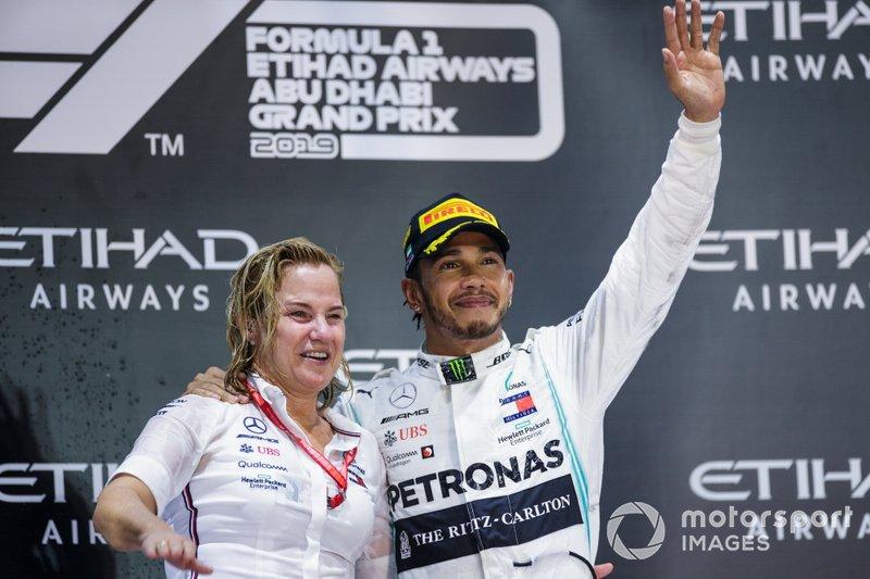 La presencia en el podio de Britta Seeger, alta directiva de Daimler AG, llega en un momento en el que aun está en juego la continuidad del fabricante en la F1 más allá de 2020.