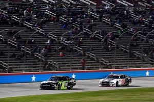 Ross Chastain, Kaulig Racing, Chevrolet Camaro Nutrien Ag Solutions and Chase Briscoe, Biagi-DenBeste Racing, Ford Mustang Ford Performance