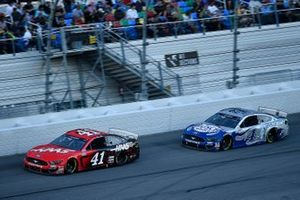 Cole Custer, Stewart-Haas Racing, Ford Mustang Haas Automation and Kevin Harvick, Stewart-Haas Racing, Ford Mustang Busch Light #PIT4BUSCH