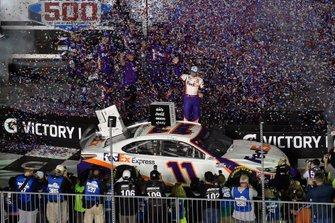 Denny Hamlin, Joe Gibbs Racing, Toyota Camry FedEx Express celebrates his win