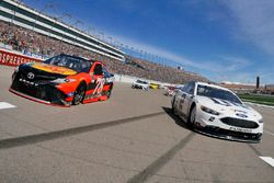 Brad Keselowski, Team Penske Ford, Martin Truex Jr., Furniture Row Racing Toyota on pace laps