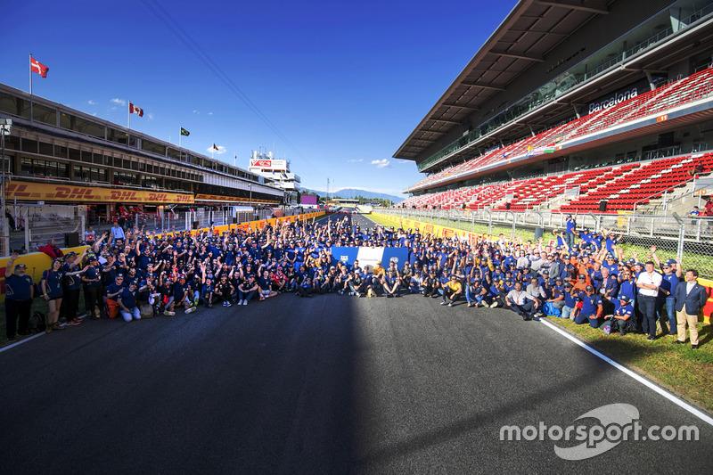Pilotos, funcionarios y comisarios se reúnen para el día de voluntarios de FIA, que celebra el trabajo voluntario de mariscales y organizadores de todo el mundo que hacen motor racing