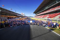Pilotos, funcionarios y comisarios se reúnen para el día de voluntarios de FIA, que celebra el traba