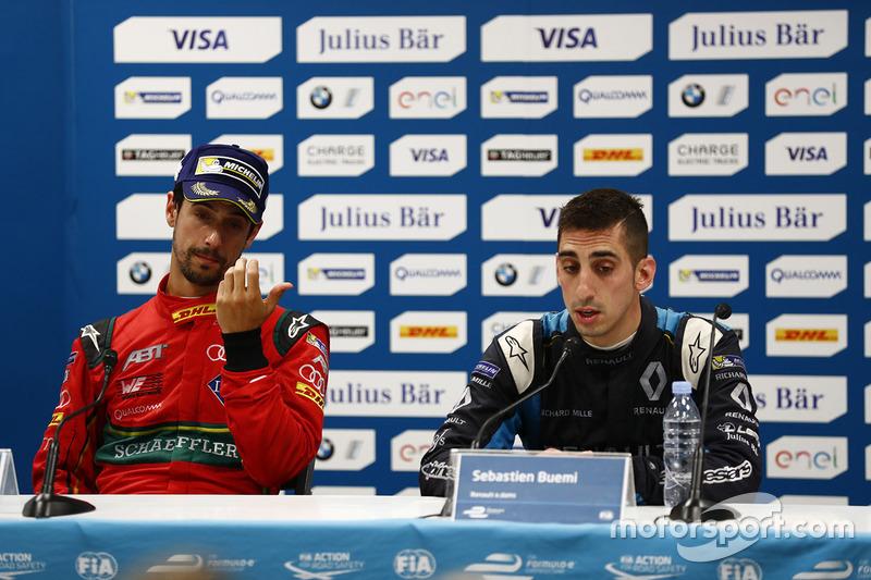 Lucas di Grassi, ABT Schaeffler Audi Sport, ve Sébastien Buemi, Renault e.Dams