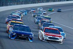 Ryan Blaney, Wood Brothers Racing, Ford; Martin Truex Jr., Furniture Row Racing, Toyota