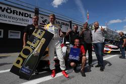 Обладатель поула Мато Хомола, DG Sport Compétition, Opel Astra TCR