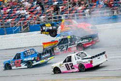 Crash: Cody Coughlin, ThorSport Racing Toyota, Chris Fontaine, Toyota, Ben Rhodes, ThorSport Racing