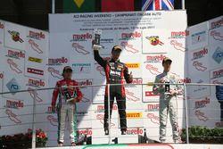 Gara 1 podio Rookie: il primo classificato Leonardo Lorandi, Baithech; il secondo classificato Enzo