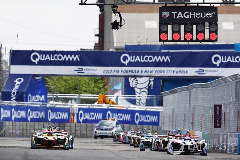 Arrancada: Daniel Abt, ABT Schaeffler Audi Sport, Alex Lynn, DS Virgin Racing líder
