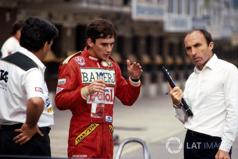 Ayrton Senna conversa com Frank Williams