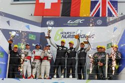GTE-Am-Podium: 1. Christian Ried, Matteo Cairoli, Marvin Dienst, Dempsey Proton Competition; 2. Thom