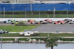 Erik Jones, Joe Gibbs Racing Toyota, William Byron, JR Motorsports Chevrolet, Joey Logano, Team Pens