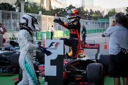 Даниэль Риккардо, Red Bull Racing, и Валттери Боттас, Mercedes AMG F1