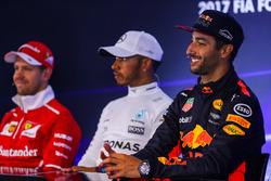 Sebastian Vettel, Ferrari Lewis Hamilton, Mercedes AMG F1 and Daniel Ricciardo, Red Bull Racing in the Press Conference