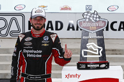 Race winner Jeremy Clements, Jeremy Clements Racing Chevrolet