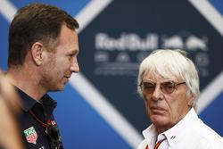 Christian Horner, Jefe del Red Bull Racing habla con Bernie Ecclestone, Directivo emérito de Fórmula