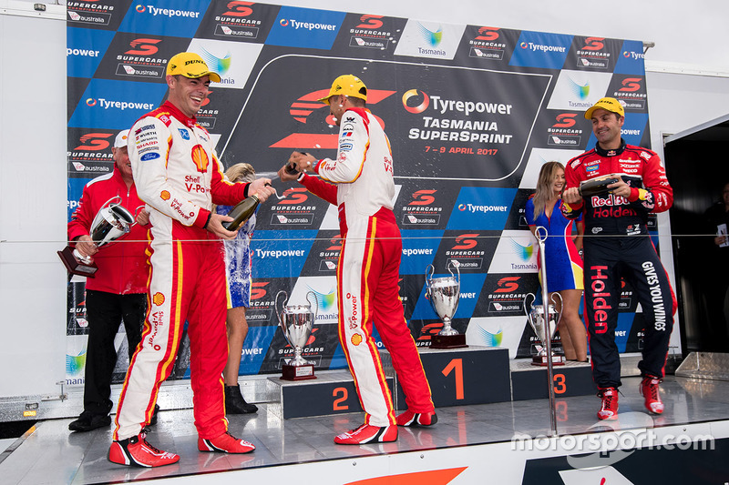 Podium: 1. Fabian Coulthard, Team Penske, Ford; 2. Scott McLaughlin, Team Penske, Ford; 3. Jamie Whincup, , Triple Eight Race Engineering, Holden