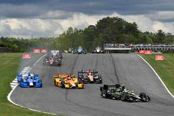Josef Newgarden, Team Penske Chevrolet, Tony Kanaan, Chip Ganassi Racing Honda, Ryan Hunter-Reay, An