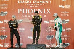 Podio: segundo lugar Will Power, Team Penske Chevrolet, ganador de la carrera Simon Pagenaud, Team P