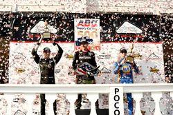 Josef Newgarden, Team Penske Chevrolet, Will Power, Team Penske Chevrolet and Alexander Rossi, Curb