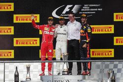 Podium: second place Sebastian Vettel, Ferrari, Race winner Lewis Hamilton, Mercedes AMG F1, Andrew