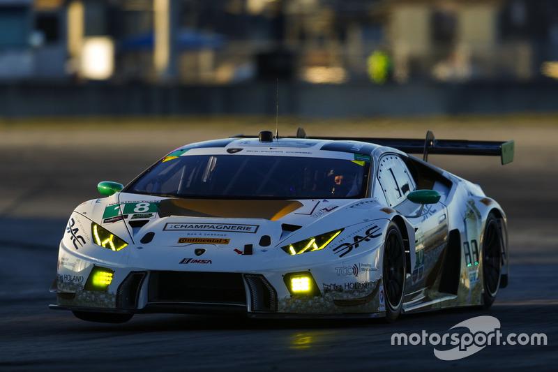 №18 DAC Motorsports Lamborghini Huracan GT3: Эммануэль Анассис, Энтони Массари, Брэндон Гдович