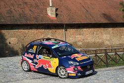 Tamara Molinaro e Giovanni Bernacchini, Opel ADAM R2