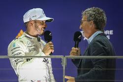 Podium: race winner Lewis Hamilton, Mercedes AMG F1, Eddie Jordan, Channel 4 F1 TV on the podium