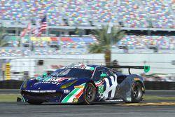 №51 Spirit of Race Ferrari 488 GT3: Питер Манн, Маурицио Медиани