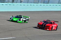 #51 MP1B Chevrolet Camaro driven by Joe Gonzalez of ACAR 4U Racing, #57 FP2 Saker driven by James Cu