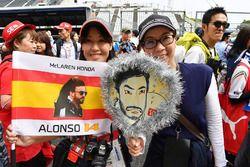 Fernando Alonso, McLaren fans en spandoeken