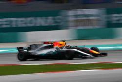 Daniel Ricciardo, Red Bull Racing RB13 en Valtteri Bottas, Mercedes-Benz F1 W08 vechten
