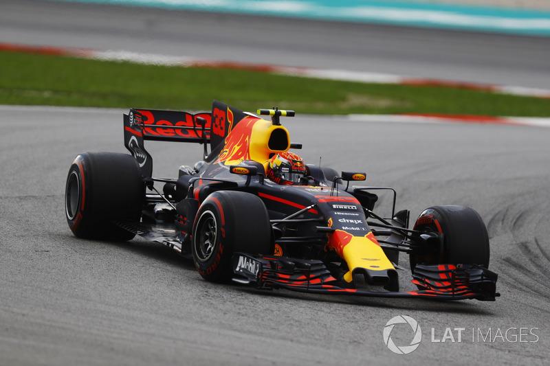Max Verstappen conseguiu superar seu companheiro de equipe e abrirá a segunda fila.