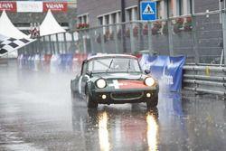 Teilnehmer und Zuschauer trotzten dem schlechten Wetter in Arosa.