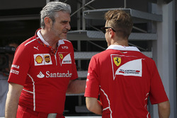 Maurizio Arrivabene, Team Principal Ferrari e Sebastian Vettel, Ferrari