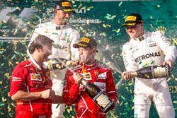 Sebastian Vettel, Ferrari, Lewis Hamilton, Mercedes AMG, Valtteri Bottas, Mercedes AMG y Luigi Frabo
