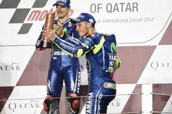 Podium: race winner Maverick Viñales, Yamaha Factory Racing, third place Valentino Rossi, Yamaha Fac